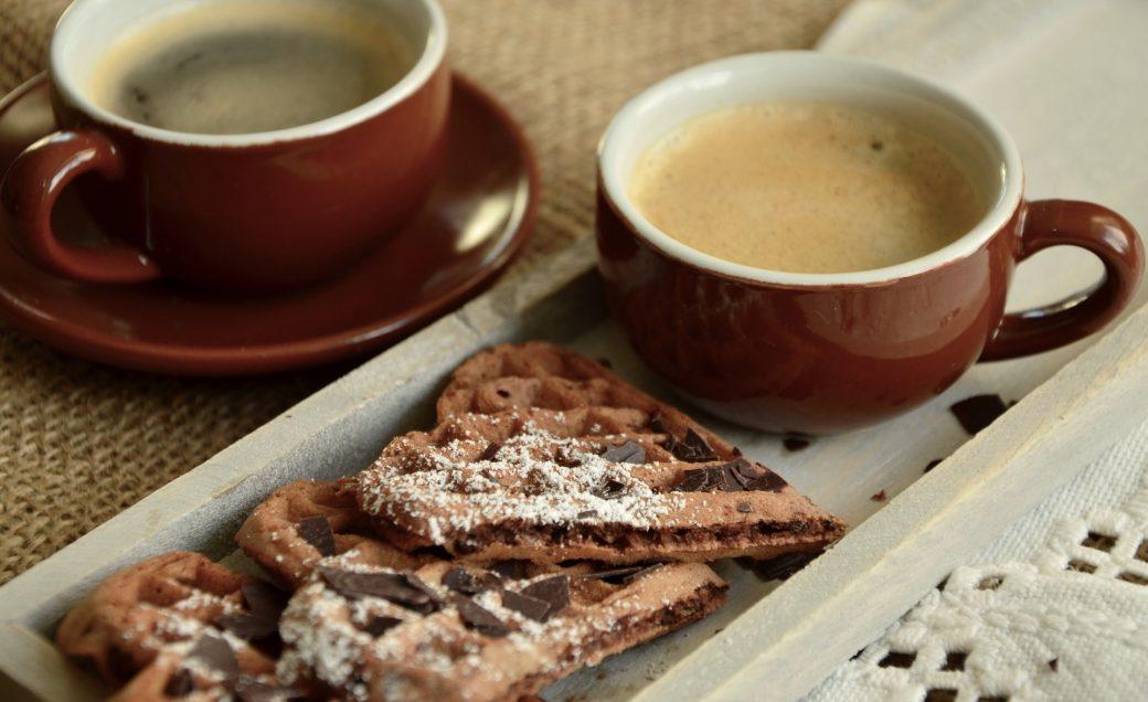 Premiers pas dans la prière avec Notre Dame du web Coffee-1177526_1920-1040x636